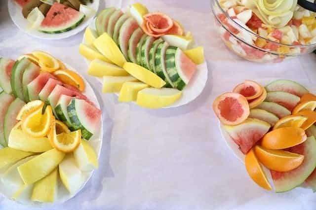 fruta picada en ensaladas
