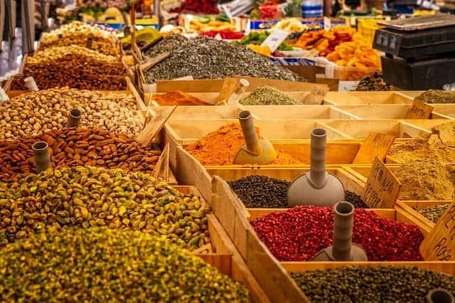 semillas, nueces, especias