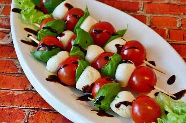 mozzarella con tomate