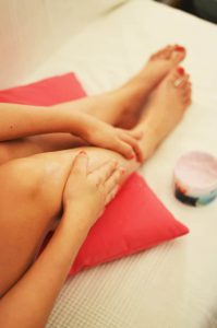 arañas vasculares e hinchazón de las piernas